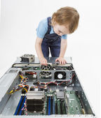 Child swapping fan on server — Stock Photo