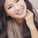 Beautiful Chinese Oriental Asian Woman Smiling — Stock Photo