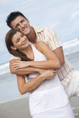 Man and Woman Couple Embracing On A Beach — Stock Photo