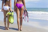 Rear View Beautiful Bikini Women At Beach — Stock Photo