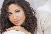Beautiful Happy Hispanic Woman Smiling — Stock Photo