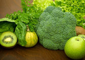 Green fruit and vegetable-Igredients of green smoothie — Stock Photo
