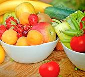 свежие фрукты и овощи — Стоковое фото