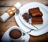 Chocolate cake and coffee — Stock Photo