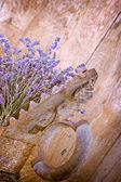 Dry lavender and rustic iron (old iron) — Fotografia Stock
