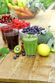 Healthy drinks from organic fruits and vegetables — Stock Photo