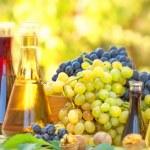Autumn fruit and wine — Stock Photo #50934997