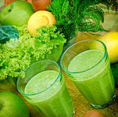 Green smoothie (organic smoothie) — Stock Photo