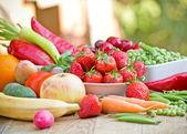 健康食品-有机水果和蔬菜 — 图库照片