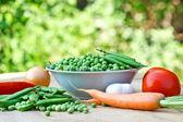Fresh organic peas — Stock Photo