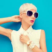 Moda portret zmysłowej kobiety stylowe — Zdjęcie stockowe