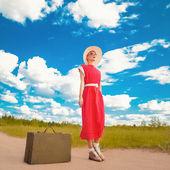 Traveling retro girl — Stock Photo