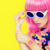 Bright fashion girl glamor style — Stock Photo