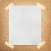 Note paper on cork board background — Stock Photo