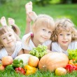 Children having picnic — Foto de Stock
