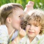 dzieci na wiosnę — Zdjęcie stockowe #21556341