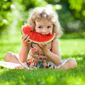 Child having picnic — Stock Photo