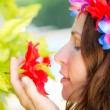 Woman relax on tropical resort — Stock Photo