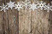νιφάδες χιονιού που συνορεύουν με ξύλο — Φωτογραφία Αρχείου