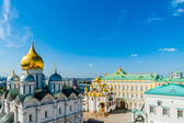 Kremlin tour 19: Archangel, Annunciation cathedrals, Palace of the Facets of the — Stock Photo