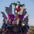 VIAREGGIO, ITALY - FEBRUARY 2:   allegorical float  on the issue — Stock Photo