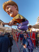 VIAREGGIO, ITALY - FEBRUARY 23:   allegorical mask of prime mini — Stock Photo