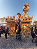 VIAREGGIO, ITALY - FEBRUARY 23:   allegorical float of new Itali — Stock Photo