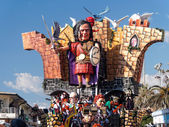 VIAREGGIO, ITALY - FEBRUARY 23:   allegorical float of Berluscon — Stock Photo