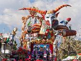 VIAREGGIO, ITALY - FEBRUARY 23:   allegorical float at Viareggio — Stock Photo