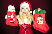 クリスマス ストッキングの美しいクリスマスの女の子 — ストック写真
