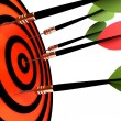 Dart hitting the target — Stock Photo