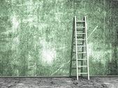Mur sale grunge avec échelle en bois — Photo