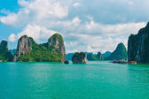 Rock islands in Halong Bay — Stock Photo