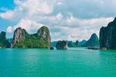 Rock islands in Halong Bay — Stock Photo