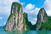 Mountain island in Halong Bay — Stock Photo