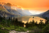 Saint Mary lake — Stock Photo