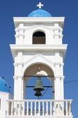 Kostelní zvonice v santorini — Stock fotografie