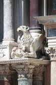 Barokní socha na st. mark katedrála v benátkách — Stock fotografie