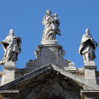 Statues on top of Saint Mary Major Basilicin Rome — Stok Fotoğraf #18124113