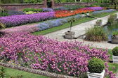 Beautiful formal garden — Stock Photo