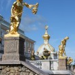 Grand cascade fountains at Peterhof Palace — Stock Photo