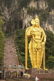 Statue of lord Muragan outside the Batu caves. — Stock Photo