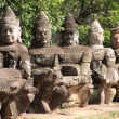 Giants in Front Gate of Angkor Thom — Stock Photo