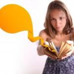 kvinna läser en bok, isolerade — Stockfoto