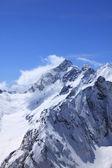 Berg och blå himmel — Stockfoto