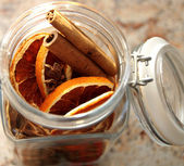 Christmas decorati-Dried oranges placed in the jar — Stock Photo