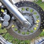 Vorderrad eines Motorrads — Stockfoto