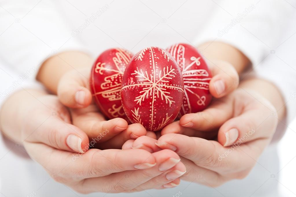 фото яйца в руках