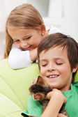 Kids with their new pet — Stock Photo