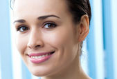Close up portrait of beautiful woman — Stock Photo